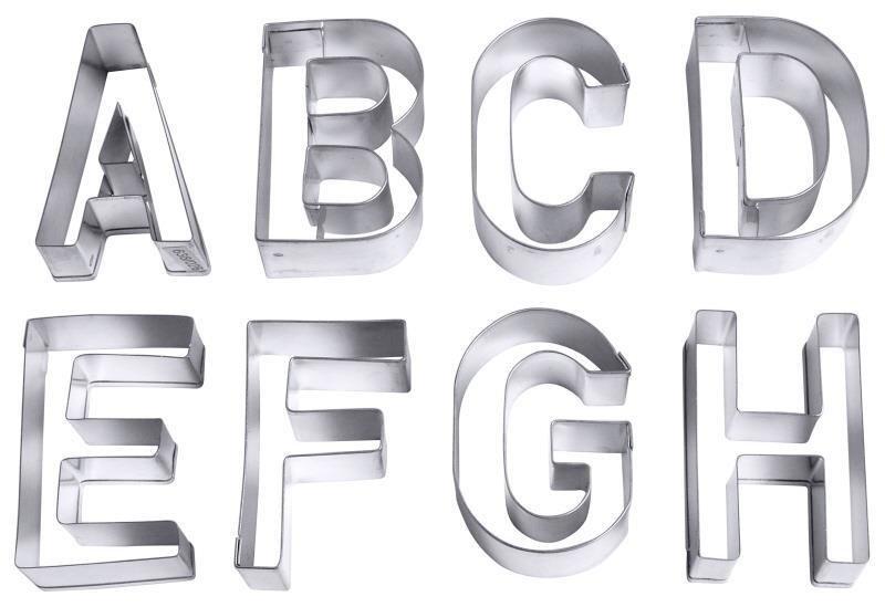 Ausstecher 'Buchstaben', groß